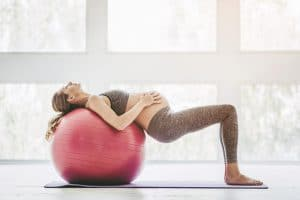 pregnant-gymball